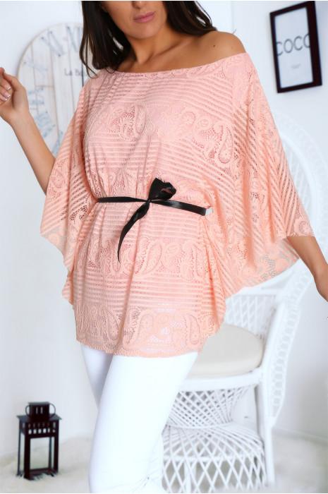 Blouse rose en dentelle coupe chauve souris avec ceinture ruban