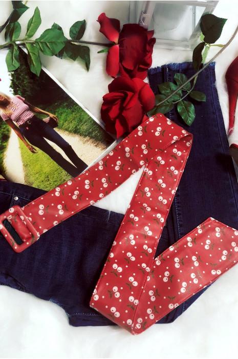 Jolie ceinture rouge d'été avec petite cerise blanche