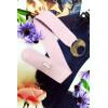 Paarse PVC riem met grote ronde gesp. Modeaccessoire voor dames