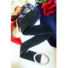 Grote suède riem met ovale gesp. Trendy vrouw mode-accessoire