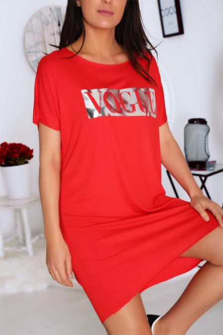 Rode T-shirtjurk met zak en zilveren VOGUE-tekst
