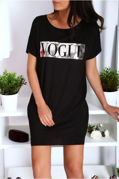 Robe T-shirt noir avec poche et  écriture VOGUE en argenté