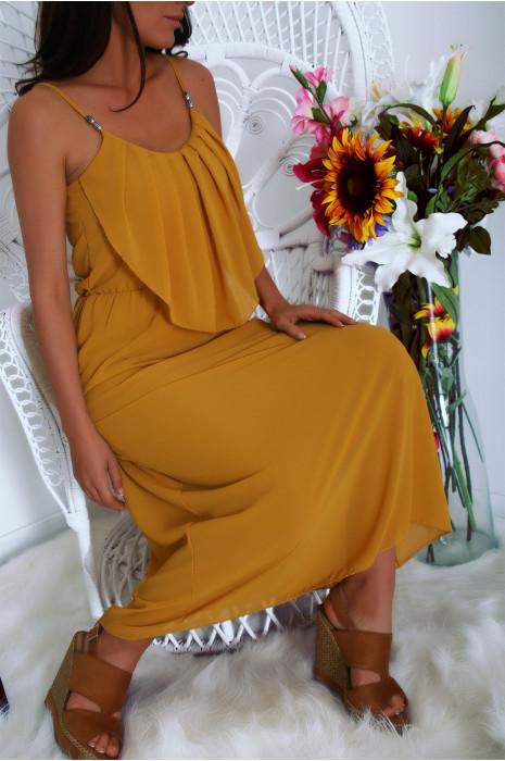 Superbe robe longue Moutarde à fines bretelles et volant sur le devant