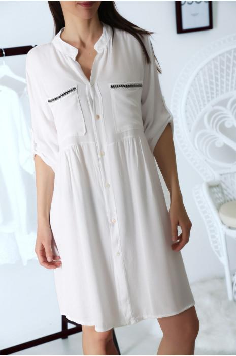 Robe tunique chemise Blanche avec manche retroussées et jolie broderie