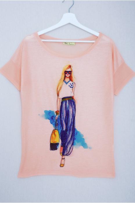 Tee-shirt rose avec dessin et strass