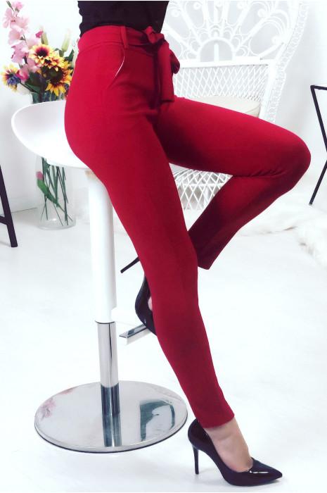 Pantalon taille haute bordeaux avec ceinture et poches