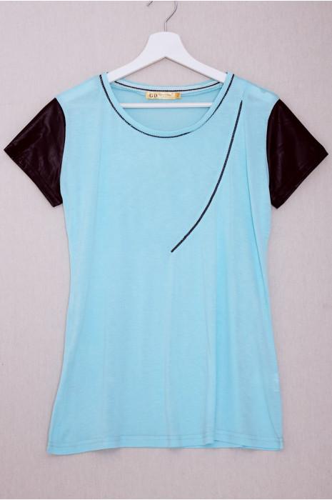 T-shirt bleu manche pvc avec couture strass