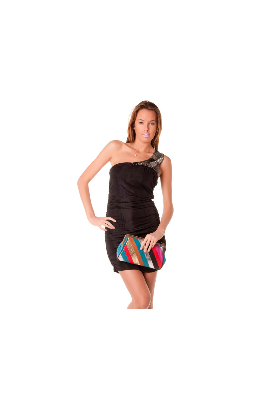 Magnifique robe de soirée noire asymétrique avec épaule ornée de perles brodées.6971.