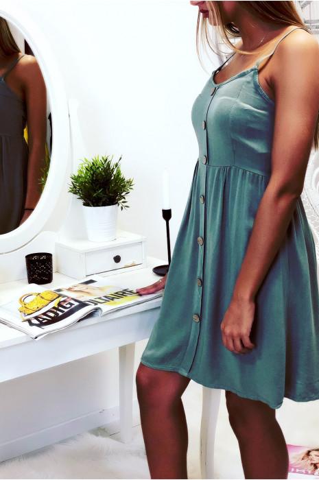 Jolie robe kaki, bretelle amovible, boutonné à l'avant