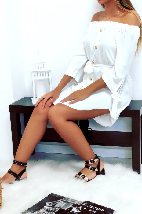 Jolie robe tunique col bateau blanc boutonné à l'avant