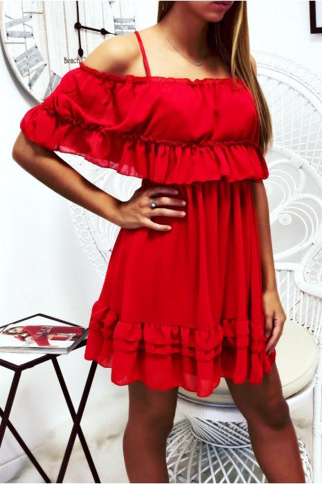 Robe Rouge Legere A Plis Ideal Pour L Ete
