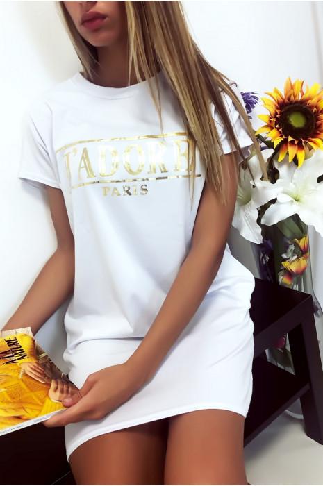 Witte T-shirtjurk met J'adore-schrift en zak. Tuniekjurk zeer comfortabel om te dragen
