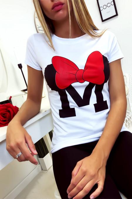 Wit katoenen T-shirt met M en vlinderschrift