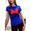 T-shirt royal en coton avec écriture M et papillon