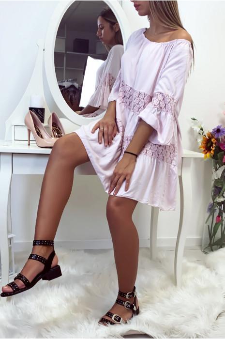 Jolie robe Rose d'été avec dentelle et col bateau