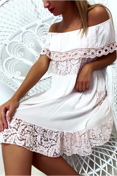 Sublime robe tunique rose col bateau ou col rond avec volant en dentelle