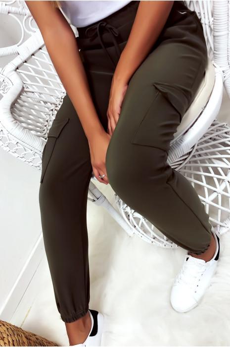 Pantalon treillis en kaki avec poches et lacet