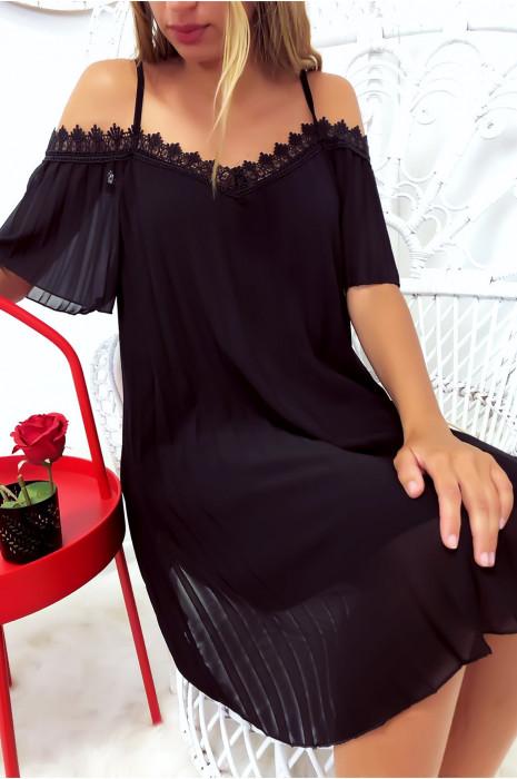 Sublime robe tunique plissé noir avec épaules dénudé en dentelle