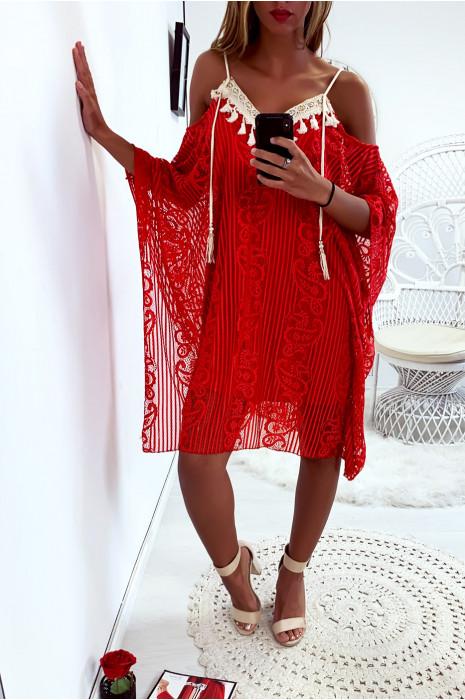 Sublime robe tunique rouge en dentelle avec broderie au buste