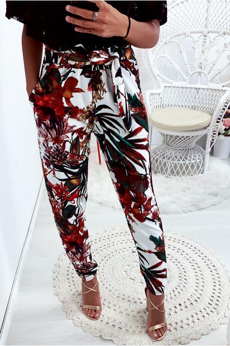 Magnifique pantalon fluide motif fleuri en fond blanc avec poches et ceinture
