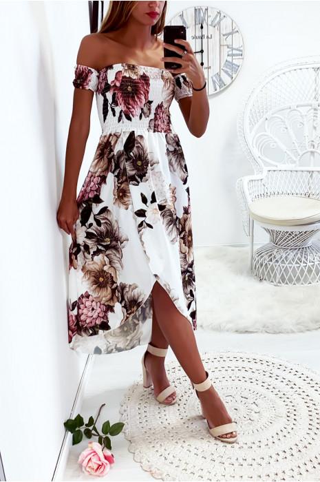 Sublime robe longue blanc fleuri avec col bateau