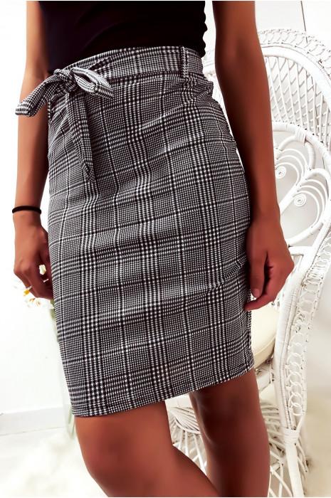 Jolie jupe très extensible à carreaux vichy avec ceinture. Jupe Motif 3