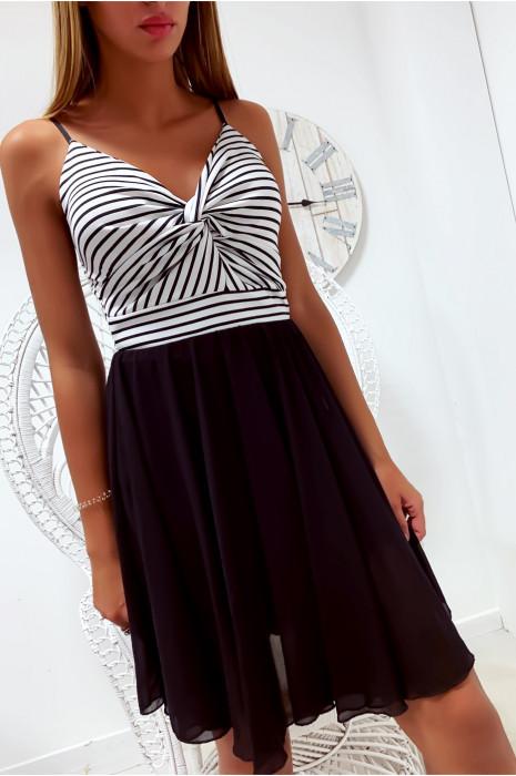 jolie robe volante croisé à l'avant avec rayure noir style marinière