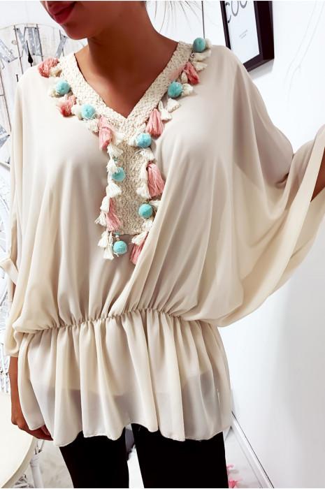 Magnifique blouse beige coupe chauve souris avec dentelle à l'avant