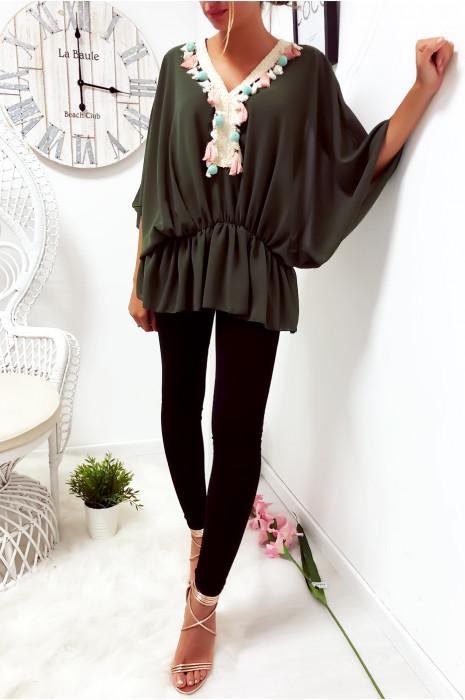 Magnifique blouse kaki coupe chauve souris avec dentelle à l'avant
