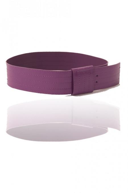 Big fashion belt in fuchsia. Cheap fashion accessory. 45918X003