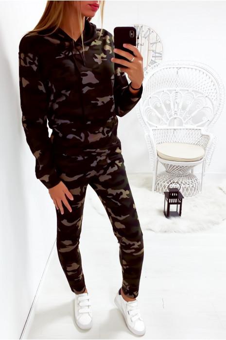 Ensemble sweat et jogging couleur militaire avec bande noir