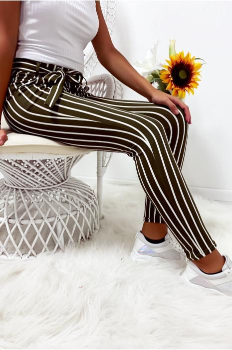 Pantalon slim rayé kaki et blanc avec poches et ceinture