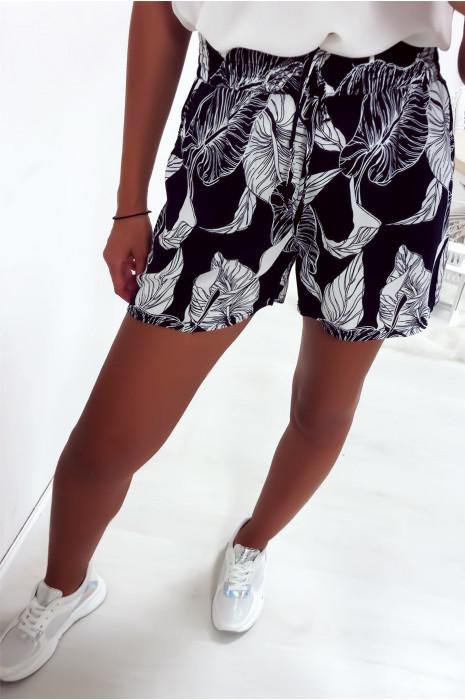 Short marine en coton avec motif fleuris très fashion et agréable à porter