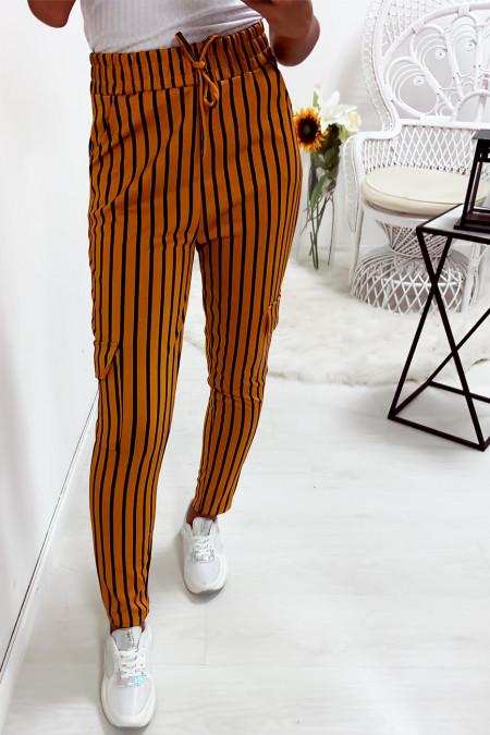 Mosterd wit gestreepte jegging broek met steekzakken