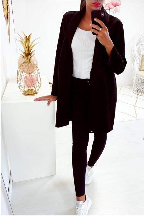 Jolie veste noir avec poche dans une jolie matière style daim