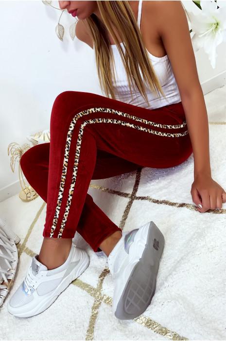 Joli pantalon jogging bordeaux en velours avec bandes motif léopard