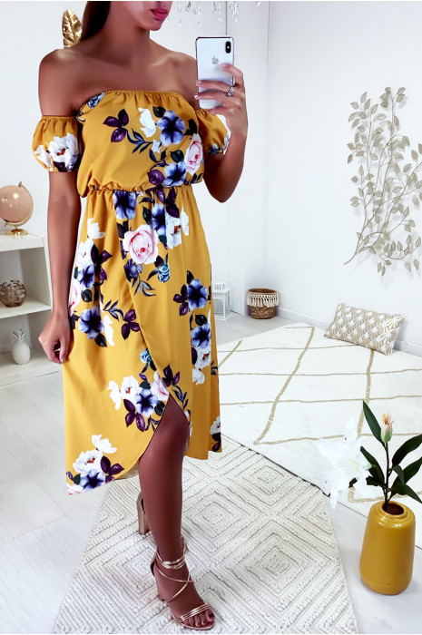 Jolie robe bustier motif fleuris en moutarde avec jupe croisé et buste dénudé