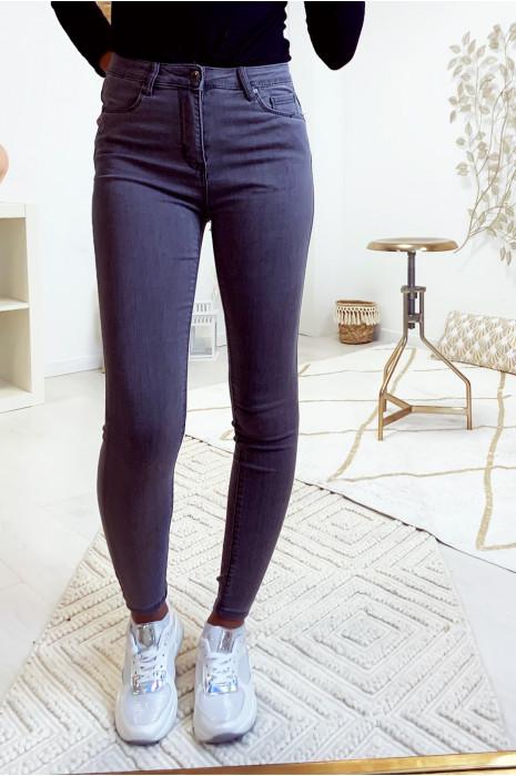 Jeans slim gris basic et très extensible