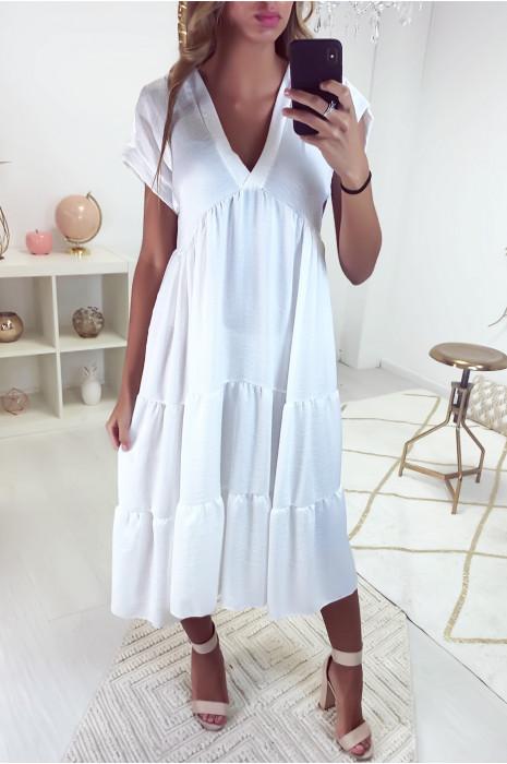Longue robe tunique col V à volant en blanc