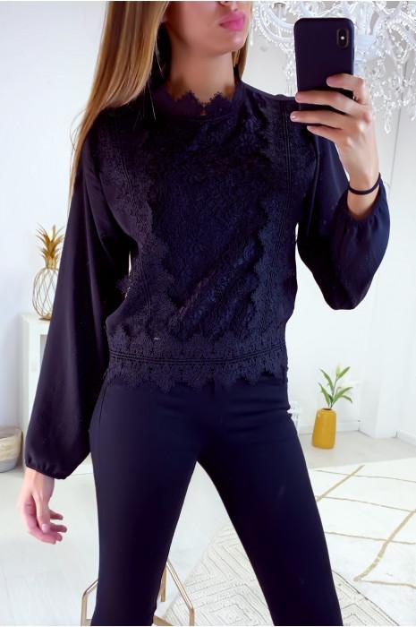 Jolie blouse noir avec dentelle à l'avant et au col