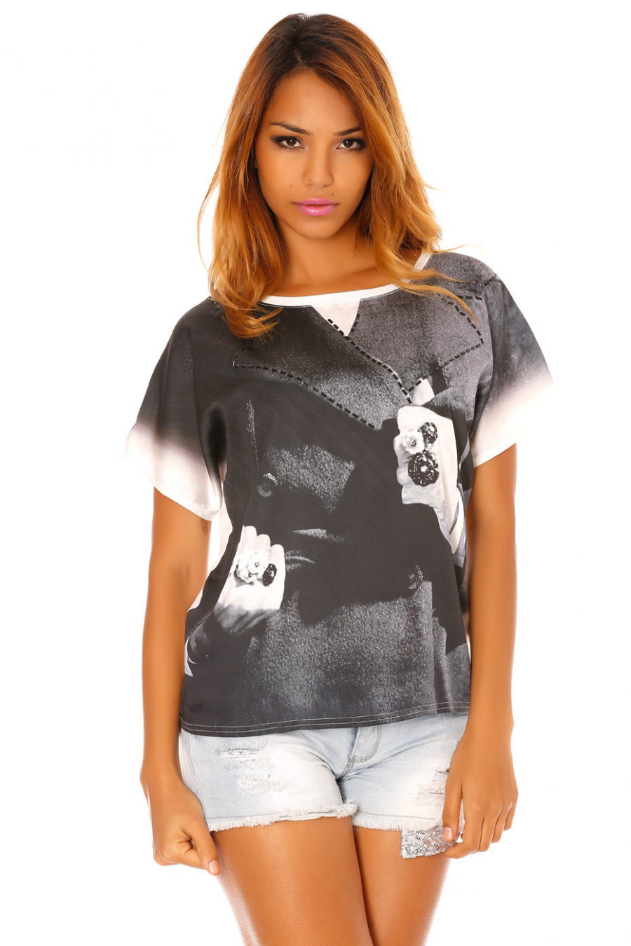 White satin t-shirt printed with black rings and rhinestones. MC918