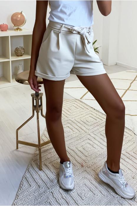 Short beige avec poches ceinture et élastique à l'arrière 1735