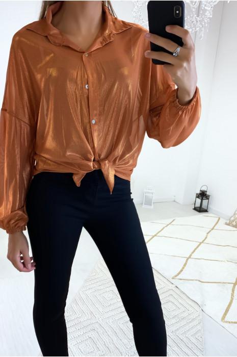 Magnifique chemise de soirée en camel dans une superbe matière brillante