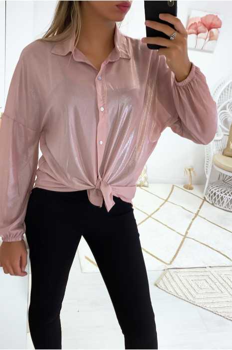 Magnifique chemise de soirée en rose dans une superbe matière brillante