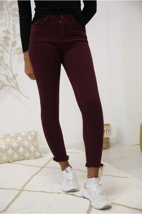 Jeans slim bordeaux très extensible effilé en bas. A2004-4