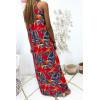 Longue robe rouge avec joli motif fleuris très à la mode