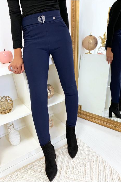 Pantalon slim marine avec poche et ceinture coeur en strass 6991