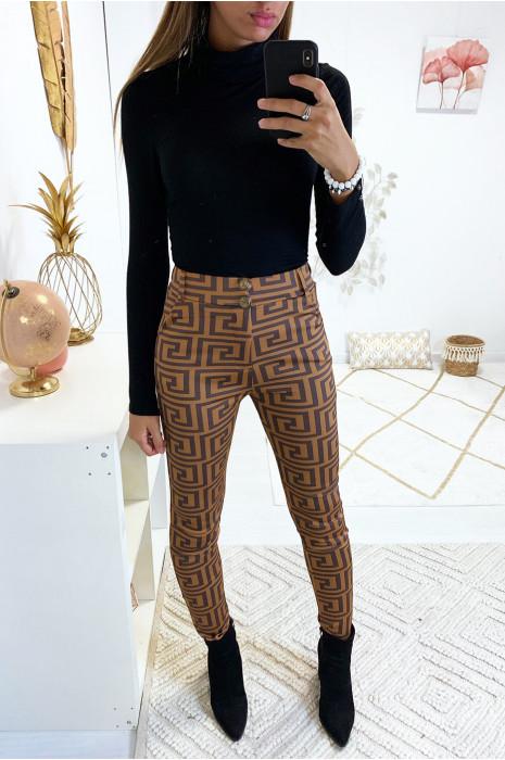 Pantalon slim camel à motif avec 2 boutons, poche et passant