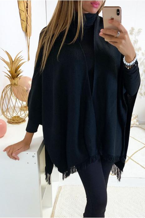 Cape noir très fashion avec frange