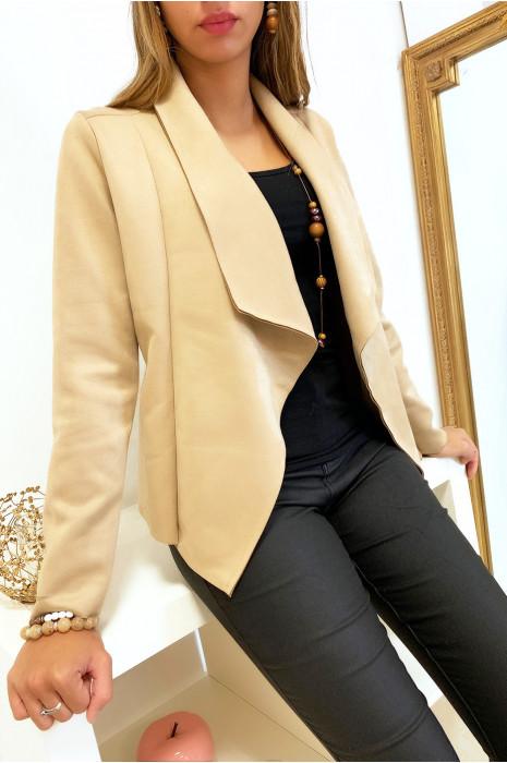 Jolie veste blazer en suédine beige avec col revers. Mode femme fashion